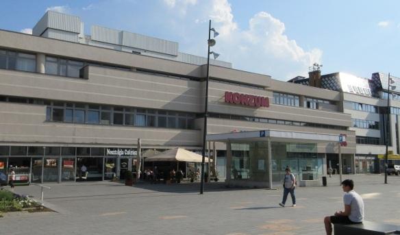 Shopping mall Konzum Áruház Pécs