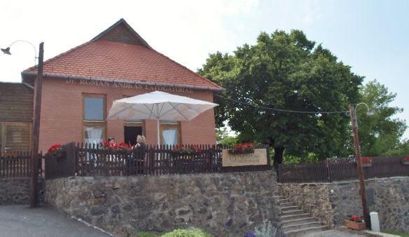 Dr. Andrew Romanian House. Arrive at the entrance of the village centre of Hollókő