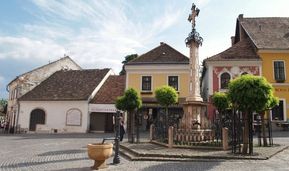 Here is the main square of Szentendre called Fő tér. Plague Cross is in the center.